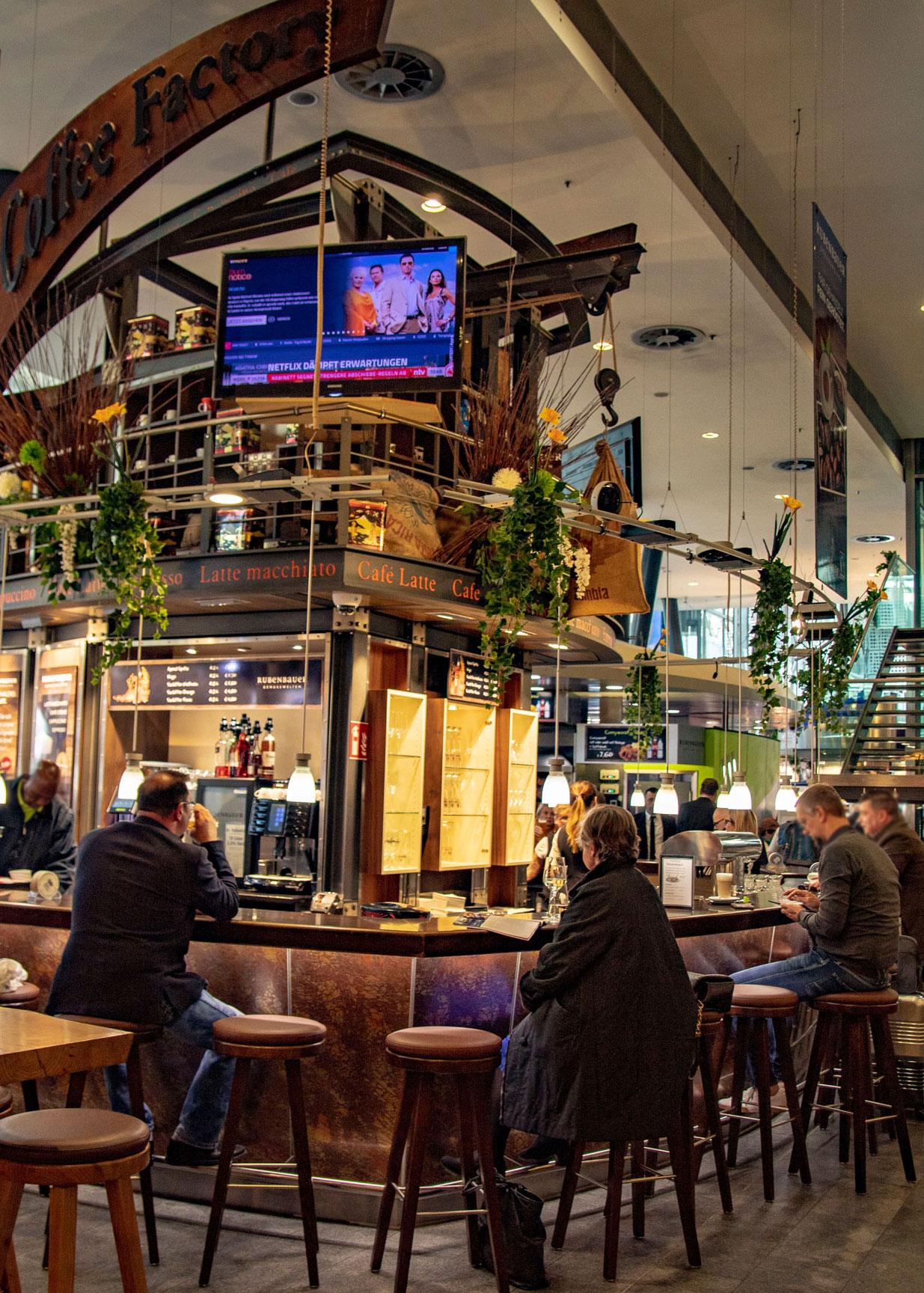 Kaffeebar in den Rubenbauer Genusswelten am Hauptbahnhof München